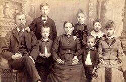 Stahl-family-photo-late-1800s