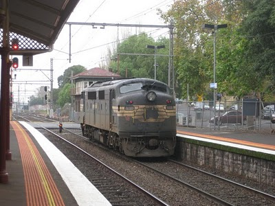 File:Melbourme 8 - scary train.jpg