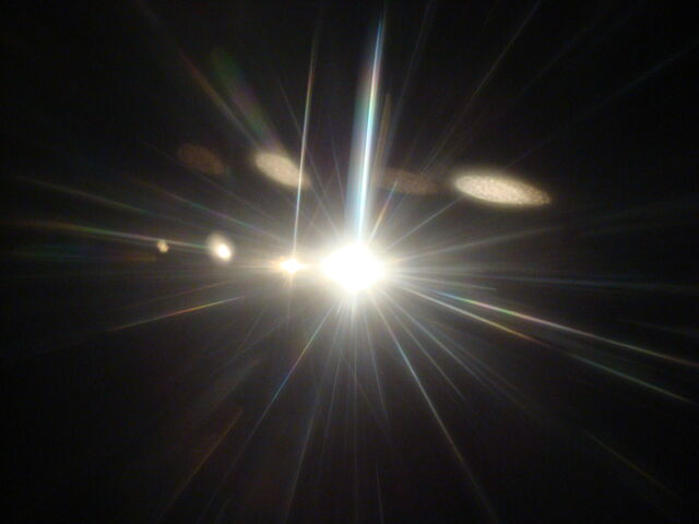 File:Light shining2.JPG