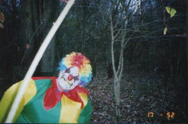 File:Clown in the woods.jpg