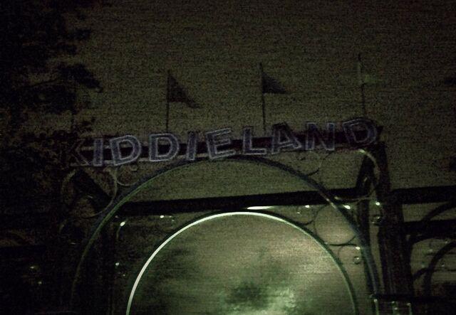 File:Kiddieland by queendreaveev-d6s0za8.jpg
