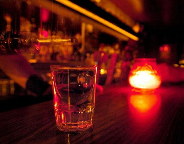 File:Shot-glass.jpg