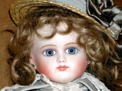 File:Intro 7 porcelain dolls gg.jpg