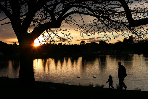 File:Father and Daughter, Sunset at Centennial Park Sydney Australia.jpg