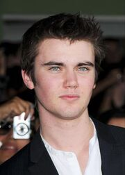 Cameron Bright profile.jpg