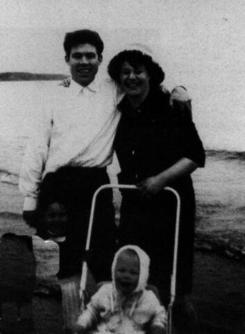 File:Fred's First Family.jpg