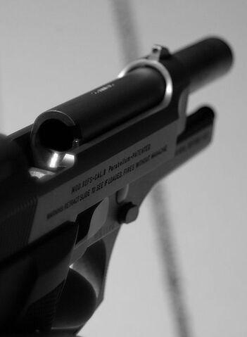File:Beretta 92FS Retract.jpg