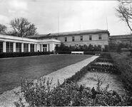 Garden-east-wing-1952