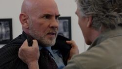 Dallas 2012 episode 1x6 - Bobby threatens Harris