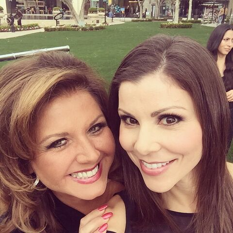 File:Heather Dubrow (Real Housewives of Orange County) with Abby 29Jan2015.jpg