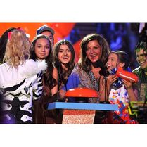 Dance Moms winning for Reality Show at KCA 2015-03-29
