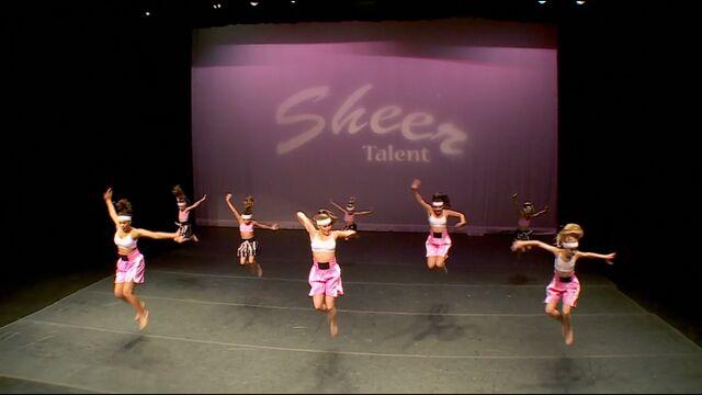 File:701 Group Dance 1.jpg