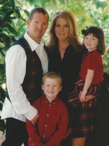 File:Tea and family.jpg