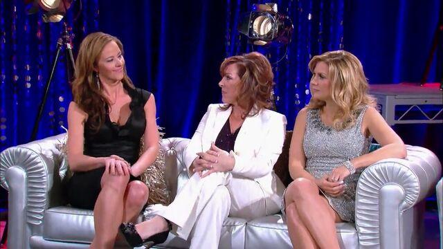 File:S05-E19 Seeing Stars 31.38 Jeanette Jill Melissa.jpg