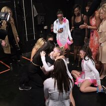 724 HQ - Team backstage (2)