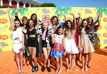 Dance-Moms-Cast at KCA 2015 490x340