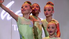 633 Mini Group Dance (1)