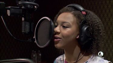 Nia singing Season 5 preview