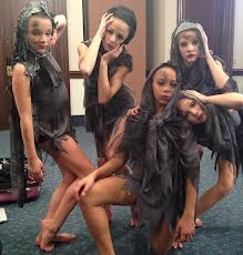 File:Dance momss.jpg