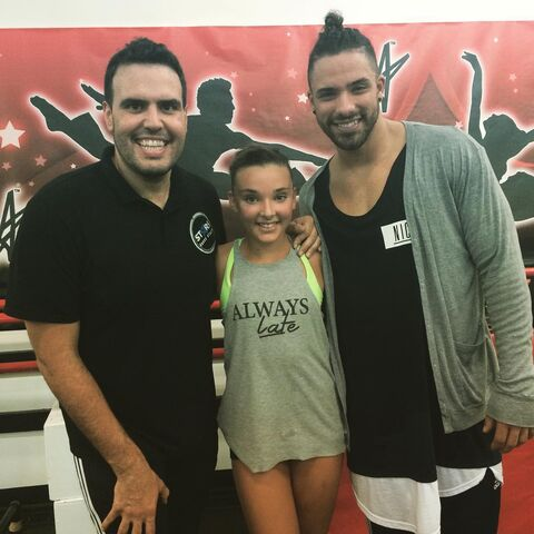 File:Kendall Vertes with Angel Armas and Victor Smalley 2015-07-23.jpg