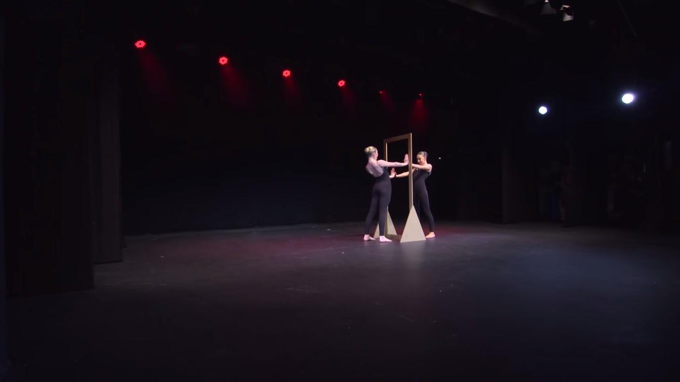 Mirror dance moms wiki fandom powered by wikia for Dance mirrors