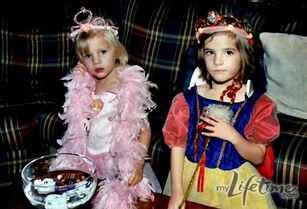 Young Paige and Brooke dressed up
