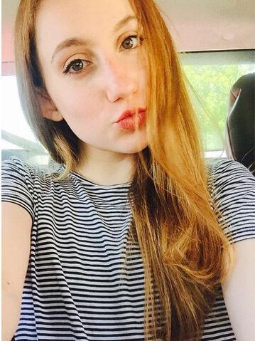 File:Chloe Smith duckface - June 2015 - crop.jpg