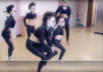 Dance Mums 204 group 1