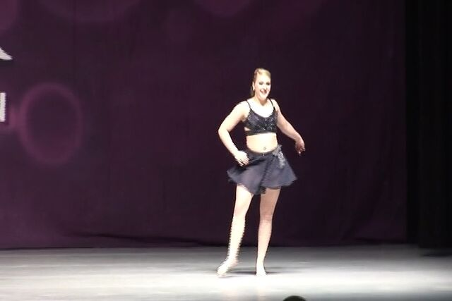 File:Taylor O'Lear with Bourn Academy of Dance at Rainbow 03-06-2015 (I Will Always Love You) 00.56.jpg