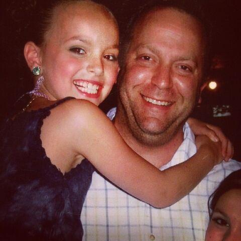File:Payton with dad Instagram birthday 17Aug2014.jpg