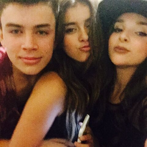 File:Kalani Kendall and Hayes Grier - 2015-04-30.jpg