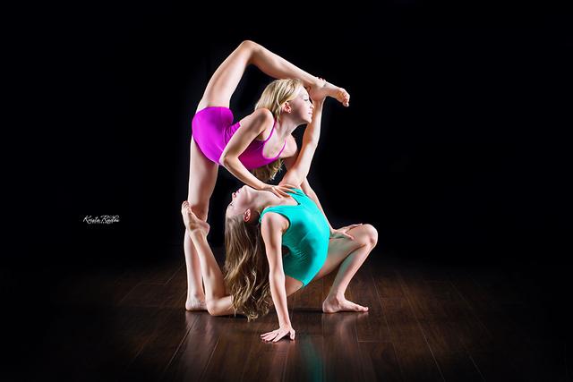 File:Brynn and Dylynn for Krista Rados - 2015 (1).png