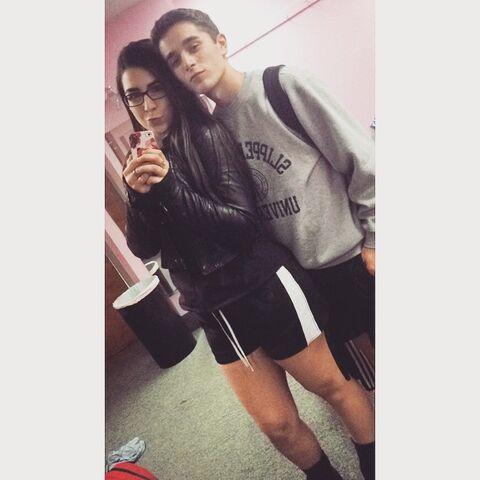 File:Olivia and Nick 2015-05-21.jpg