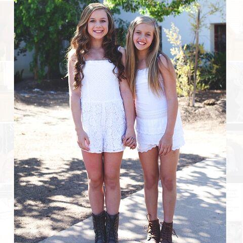 File:Talia and Kayla 2014-08-28.jpg