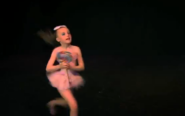 File:Dance Mums solo 2.png