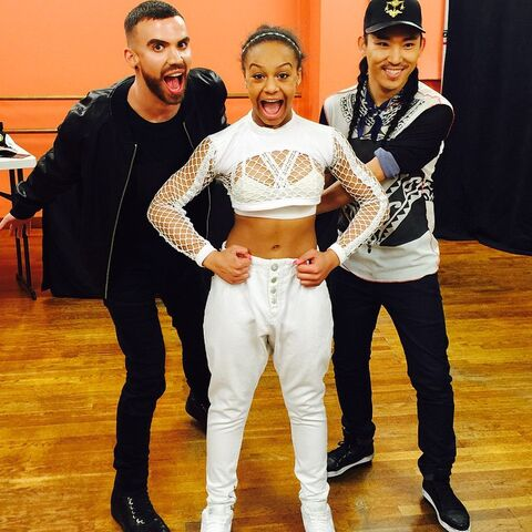 File:Nia with mikeyminden joeythao 2015-02-04.jpg