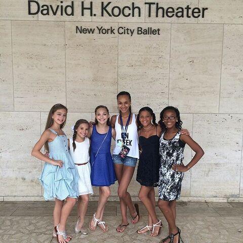 File:ALDC girls visiting Kaeli in NYC - 2015-07-09.jpg