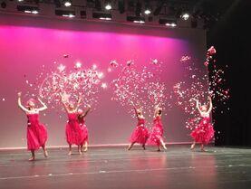 709 Group Dance2