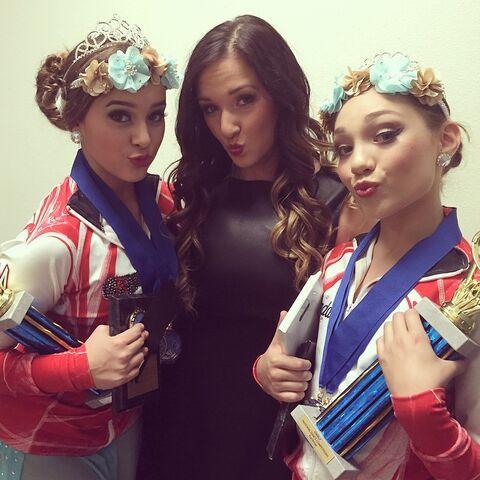 File:Gianna with Kalani and Maddie 2014-11-08.jpg