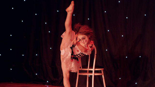File:Dance Mums 204 Chloe 2.png
