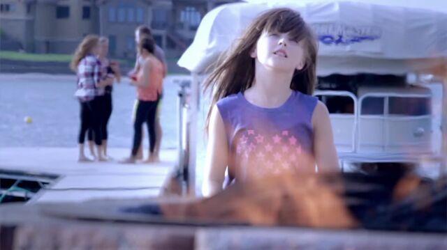 File:JoJo Siwa - music video - Belles & Whistles - Princess - (2014).jpg