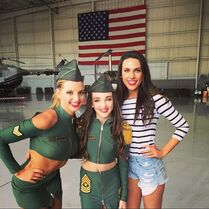 Ryleigh with sisters Kendall and Charlotte - Wear Em Out music video shoot - 2015-02-01