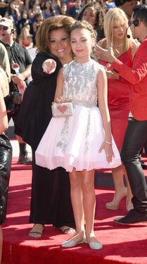 Maddie Abby VMA 2014 2