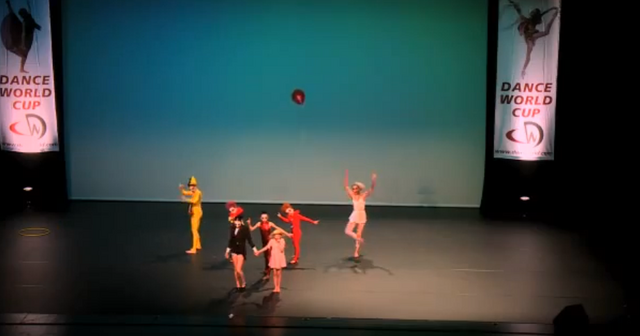 File:Dance Mums group 10.png