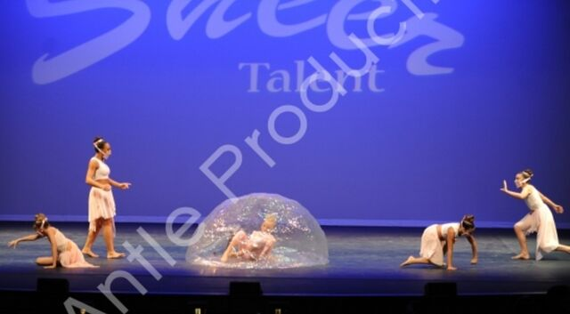 File:601 The Girl In The Plastic Bubble 5.jpg