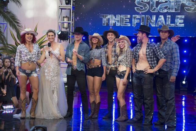 File:Bonner and Sharna S24 Week 10 Finale Night 2 Cha Cha Encore 1.jpg