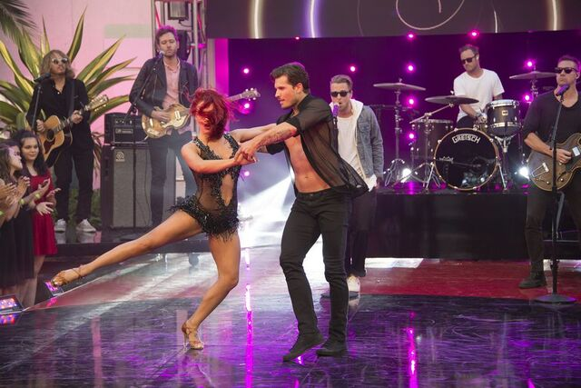 File:Sharna and Gleb S24 Week 10 Finale Night 2 1.jpg