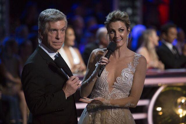 File:Tom and Erin S24 Week 10 Finale Night 2 6.jpg