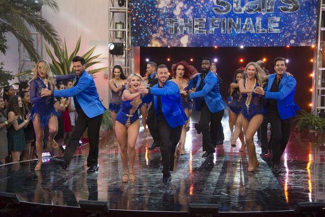 File:Cast Dance S24 Week 10 Finale Night 2 2.jpg