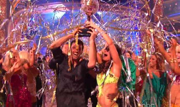 File:Melissa-Rycroft-and-Tony-Dolovoani-Win-DWTS-02-2012-11-27.jpg